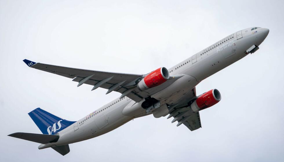 Regjeringen forlenger forbudet mot å fly passasjerer fra Storbritannia til Norge. Foto: Heiko Junge / NTB