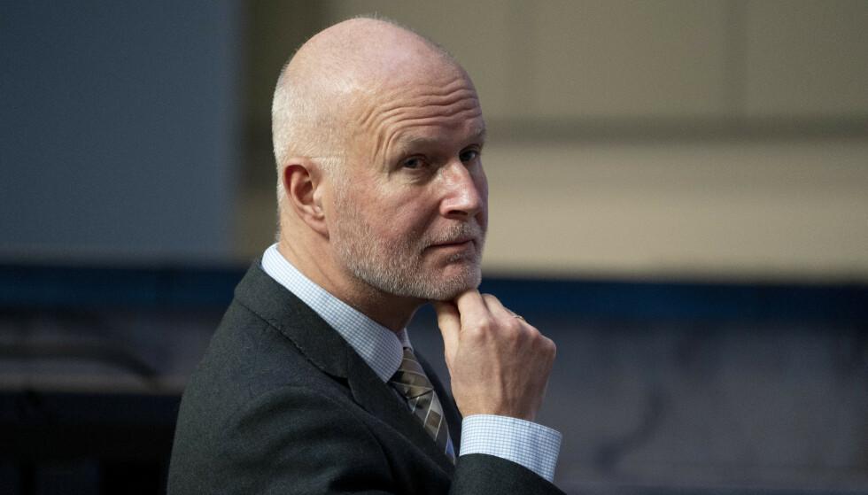 Helsedirektør Bjørn Guldvog og de andre helsetoppene er bekymret for smitteutviklingen. Foto: Torstein Bøe / NTB.