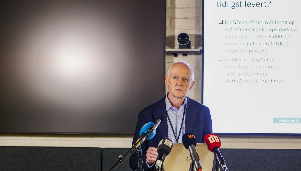 Smitteverndirektør Geir Bukholm i Folkehelseinstituttet redegjorde for status for coronavaksinen på et pressemøte torsdag morgen. Foto: Jil Yngland / NTB