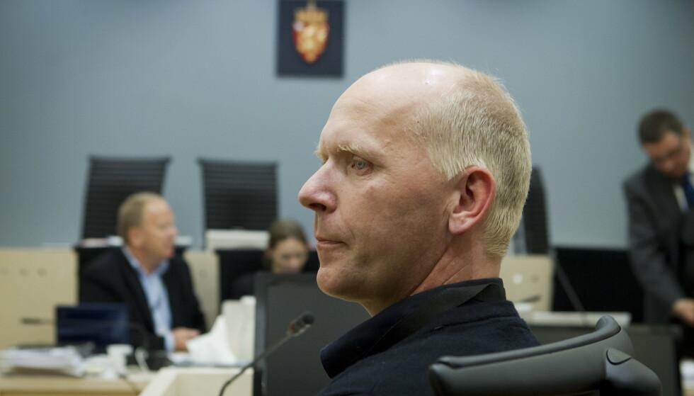 Oddvar Hansen vitner i rettssaken om minnestedet på Utøyakaia torsdag. Bildet er fra da han vitnet i straffesaken mot 22. juli-terroristen i mai 2012. Foto: Heiko Junge / NTB