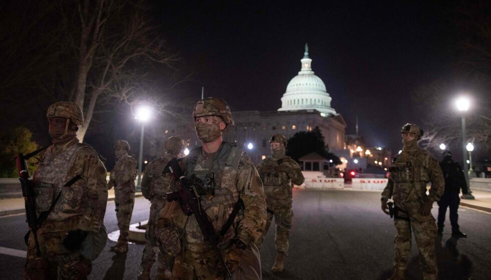 Nasjonalgarden på plass ved Capitol i Washington D.C. (Foto: AFP/NTB)