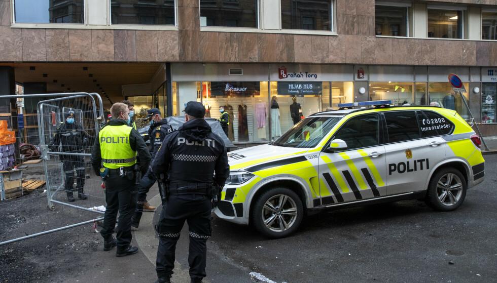 En 18 år gammel gutt ble lørdag varetektsfengslet i to uker. Han er siktet for drapsforsøk på en mann i 30-årene i Storgata i Oslo 29. desember. Foto: Terje Pedersen / NTB