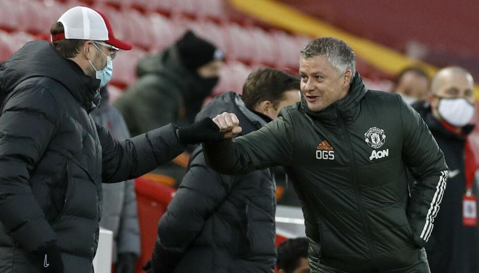 Liverpool-manager Jürgen Klopp og Ole Gunnar Solskjær takket for kampen etter 0–0 søndag. Foto: Phil Noble / AP / NTB