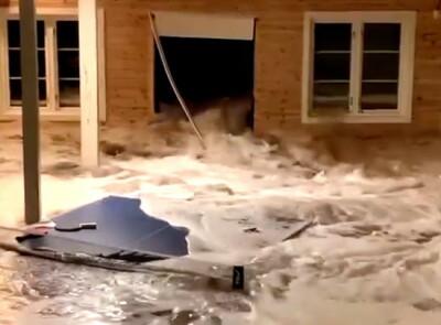 Image: Her slår bølgene inn: - I helsike!