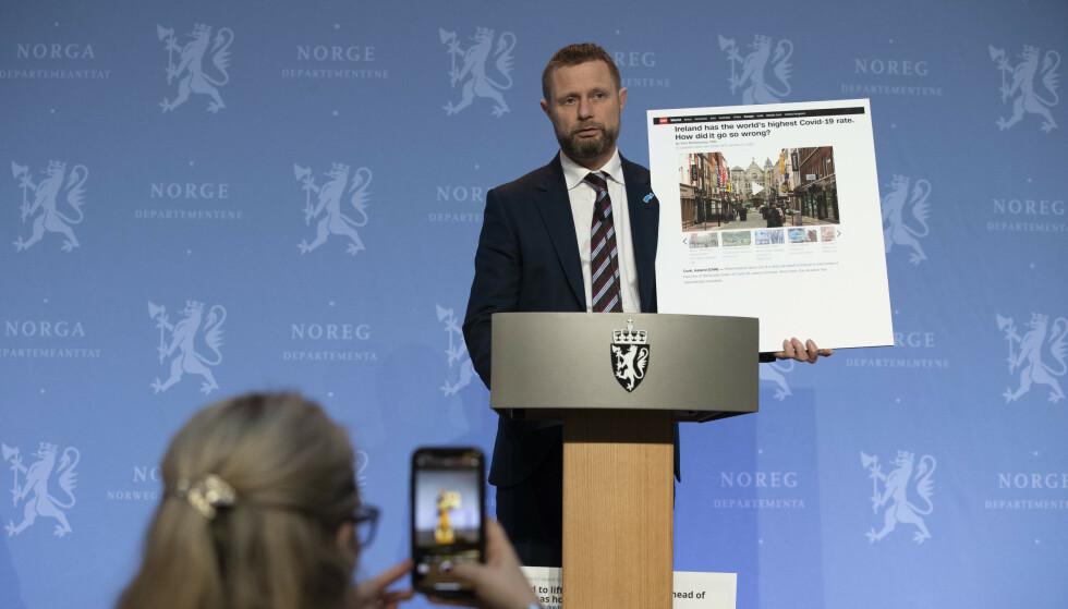 Helse- og omsorgsminister Bent Høie (H) under en pressekonferanse om koronasituasjonen. Foto: Berit Roald / NTB