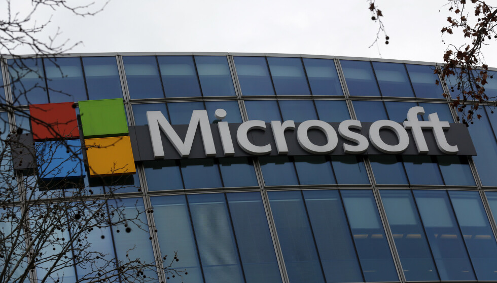 IT-giganten Microsoft kan vise til et sterkt kvartalsresultat som følge av at flere jobber, leker og er sosiale hjemmefra via selskapets teknologi. Arkivfoto: Thibault Camus / AP / NTB