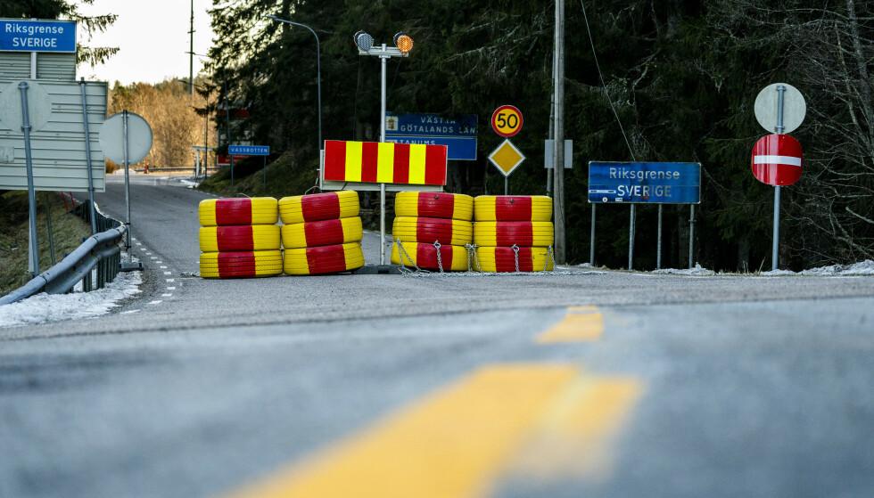 Fysisk stengte grenser er et sjeldent syn i Norge. Foto: Torstein Bøe / NTB