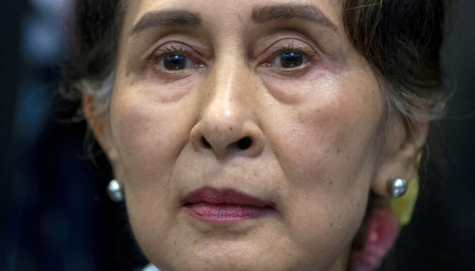 Myanmars leder Aung San Suu Kyi ble pågrepet av hæren natt til mandag, få timer før den nyvalgte nasjonalforsamlingen skulle tre sammen for første gang. Arkivfoto: Peter Dejong / AP / NTB