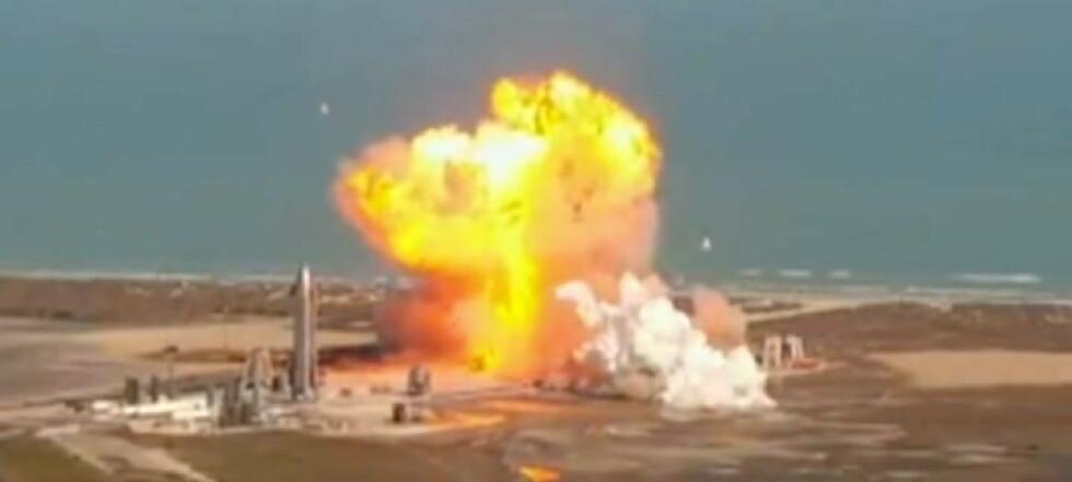 Her eksploderer raketten