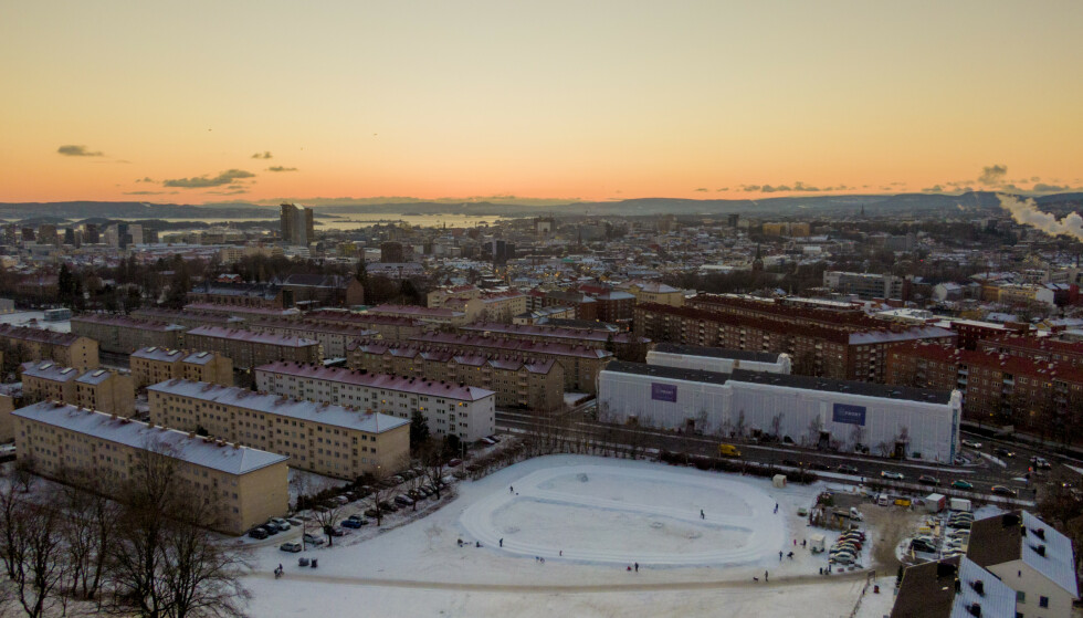 Det er registrert 65 smittede i Oslo siste døgn. Det er 15 færre enn gjennomsnittet de foregående sju dagene, og 20 færre enn gjennomsnittet de siste to ukene. Foto: Stian Lysberg Solum / NTB