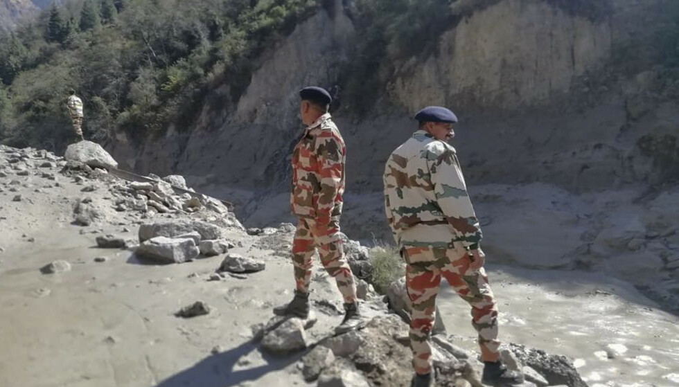 Redningsaksjonen i Uttarakhan etter isbrekollapsen søndag. Foto: Indo Tibetan Border Police via AP / NTB