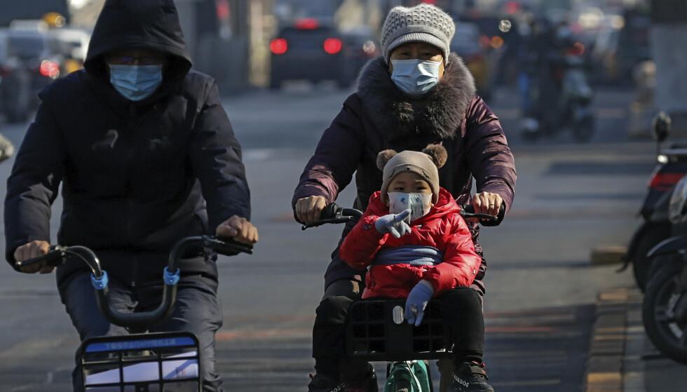 Den kinesiske familiepolitikken ble myket opp for fem år siden, men fødselstallene faller likevel. Foto: AP Photo/Andy Wong/NTB