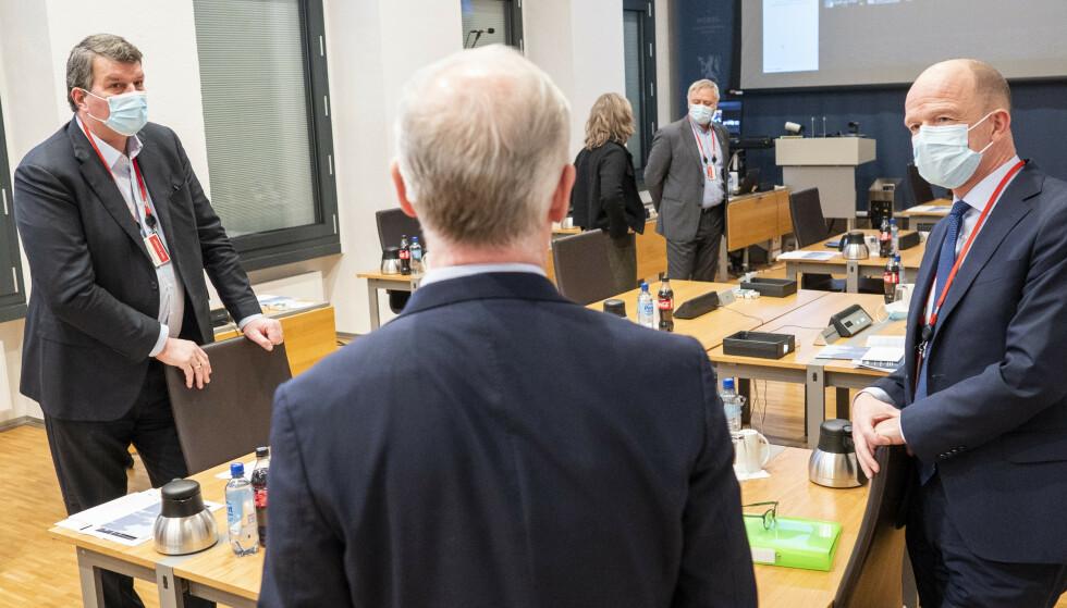 TBU-tallene er et viktig premiss for årets lønnsoppgjør som starter 15. mars. Her er LO-leder Hans-Christian Gabrielsen (t.v.) finansminister Jan Tore Sanner (H) (i midten) og NHO-sjef Ole Erik Almlid under regjeringens kontaktutvalg med partene i arbeidslivet forrige uke. Foto: Heiko Junge / NTB
