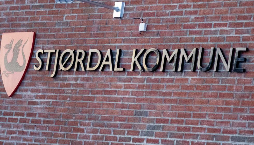 En koronasmittet person har vært til stede i flere butikker i Selbu og Stjørdal. Foto: Gorm Kallestad / NTBStjørdal 20210209. Rådhuset i Stjørdal kommune skilt. Foto: Gorm Kallestad / NTB