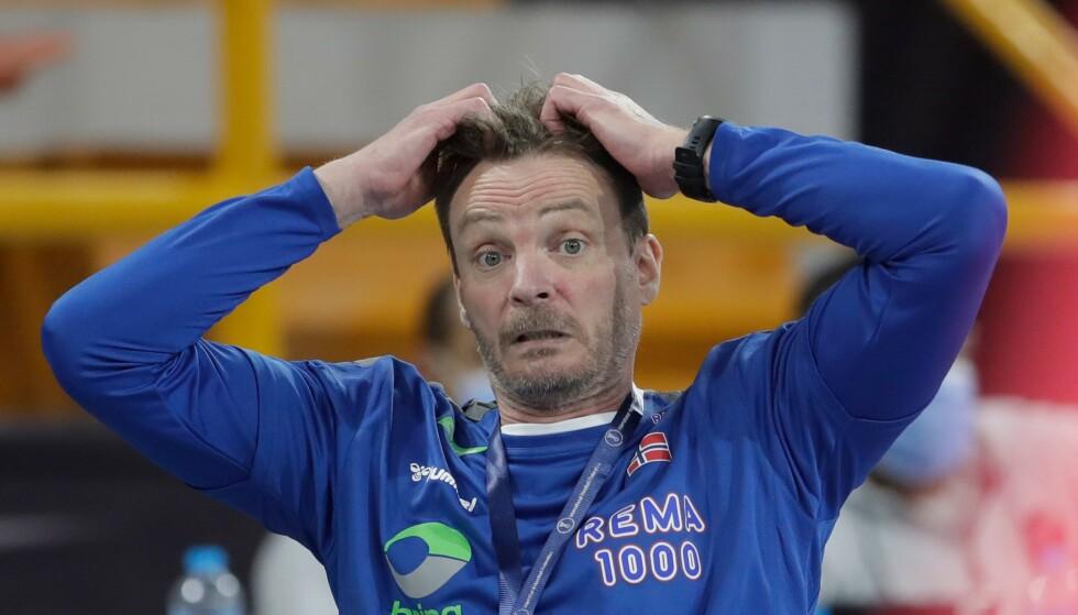 Norge og trener Christian Berge må ut av Norge for å spille OL-kvalifisering. Foto: Petr David AFP / NTB