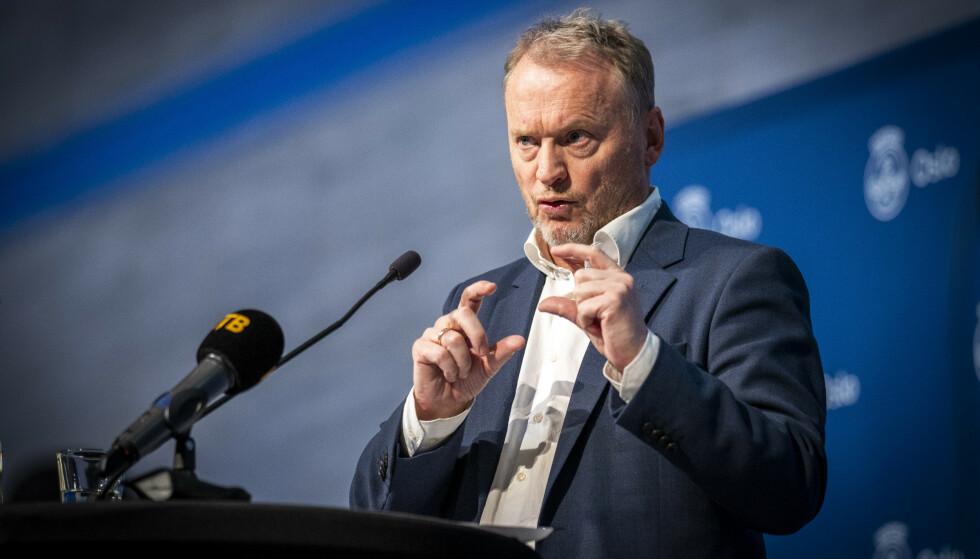 Byrådsleder Raymond Johansen orienterer om koronasituasjoen og hvilke tiltak som vil gjelde i Oslo fremover. Foto: Heiko Junge/NTB