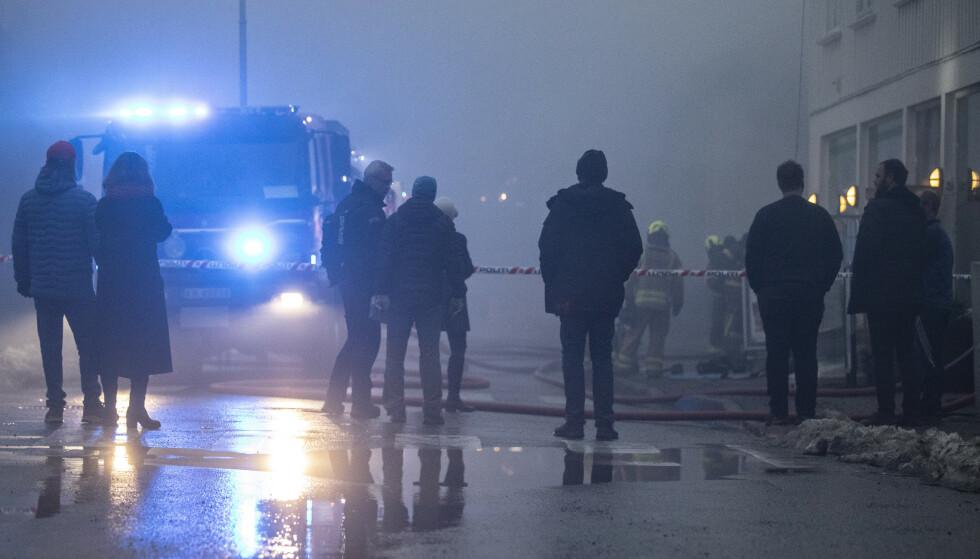 Innbyggerne i Risør er sterkt preget av brannen i sentrum av byen onsdag morgen, sier Risør-ordfører Per Kristian Lunden. Foto: Trond Reidar Teigen/NTB