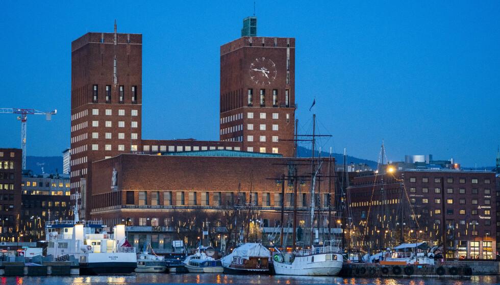 Smittetallene i Oslo er høyere enn de har vært på over tre måneder. Økningen kan ha sammenheng med framveksten av nye varianter med større spredningsevne, ifølge FHI. Foto: Håkon Mosvold Larsen / NTB