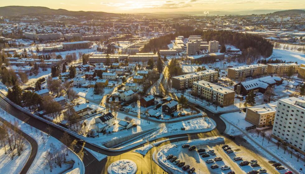 Bydel Stovner i Oslo har fortsatt det høyeste smittetrykket. Der er det nå 453 smittede per 100.000 innbyggere de siste to ukene. Foto: Stian Lysberg Solum / NTB
