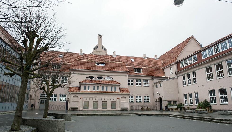 350 personer er i karantene etter smitteutbrudd ved Rothaugen skole i Bergen. Foto: Marit Hommedal / NTB