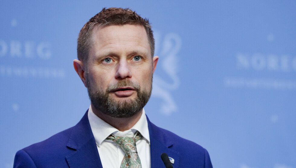 Helse- og omsorgsminister Bent Høie på tirsdagens pressekonferanse om vaksinestrategi. Foto: Berit Roald / NTB