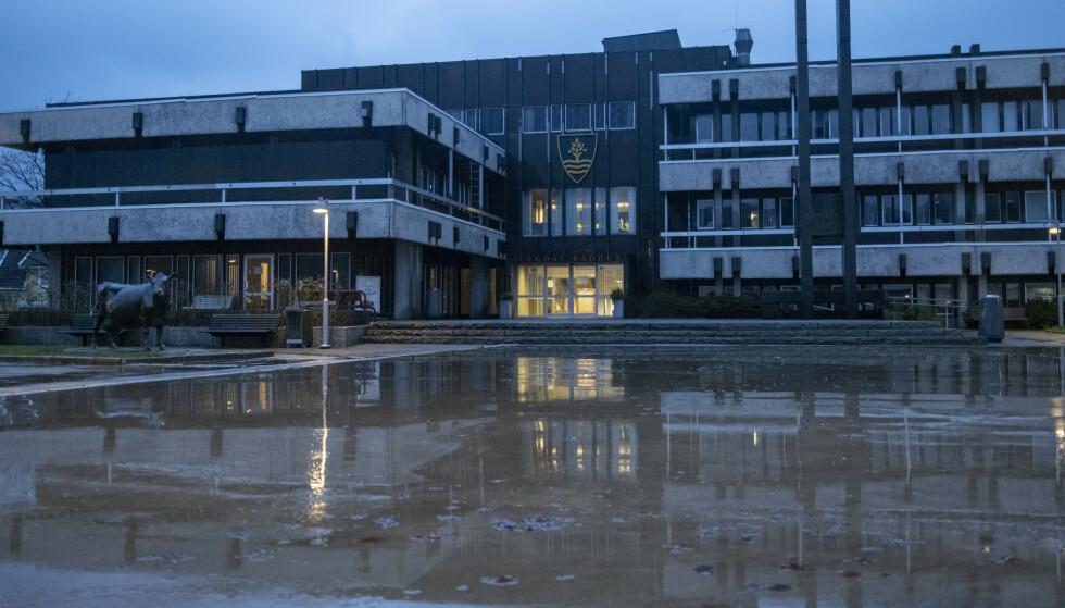 Lyngdal kommune er klaget inn for Statsforvalteren i Agder etter at en sykehjemsbeboer fikk koronavaksine mot sin vilje. Foto: Tor Erik Schrøder / NTB