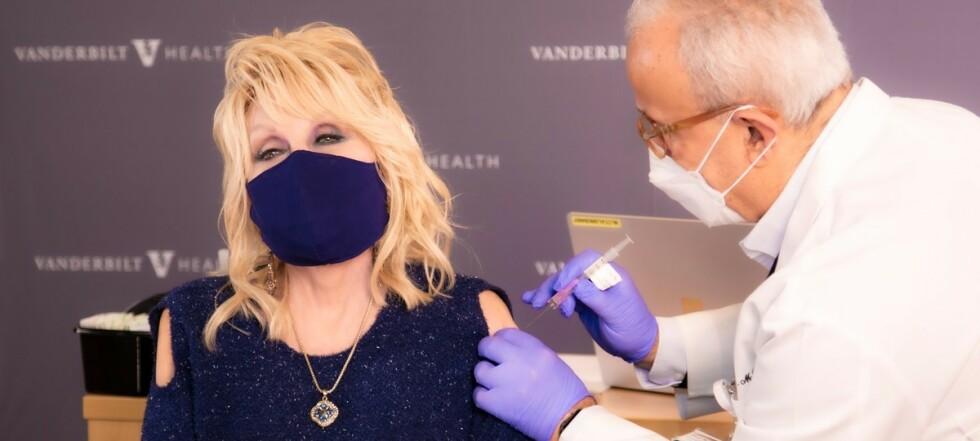 Fårførste dose av vaksinen hun selv har vært med og finansiere
