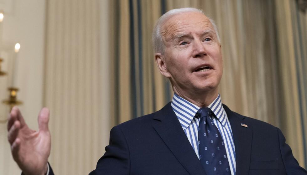 Amerikanere flest mener at Joe Biden gjør en god jobb som president, viser ny måling. Foto: AP/NTB