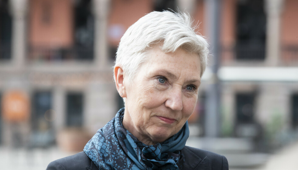 Peggy Hessen Følsvik (60) har siden 2017 vært første nestleder i LO. Nå trer hun inn i vervet som fungerende leder etter at LO-leder Hans Christian Gabrielsen (53) døde uventet tirsdag. Foto: Berit Roald / NTB