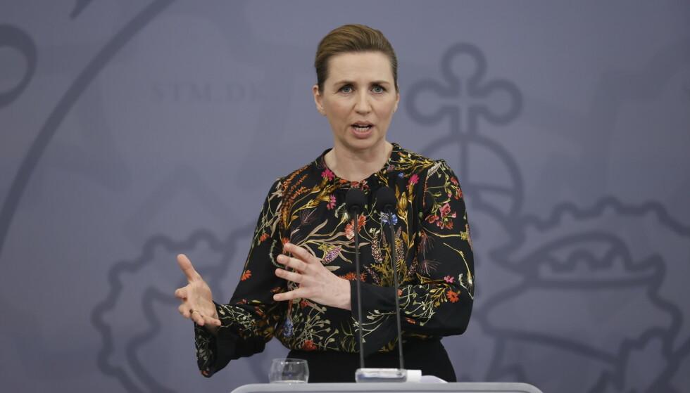 Mette Frederiksen sier det vil komme mer informasjon i løpet av onsdagen om en langsiktig plan for å gjenåpne Danmark etter pandemitiltakene. Foto: Jens Dresling / Ritzau / AP / NTB