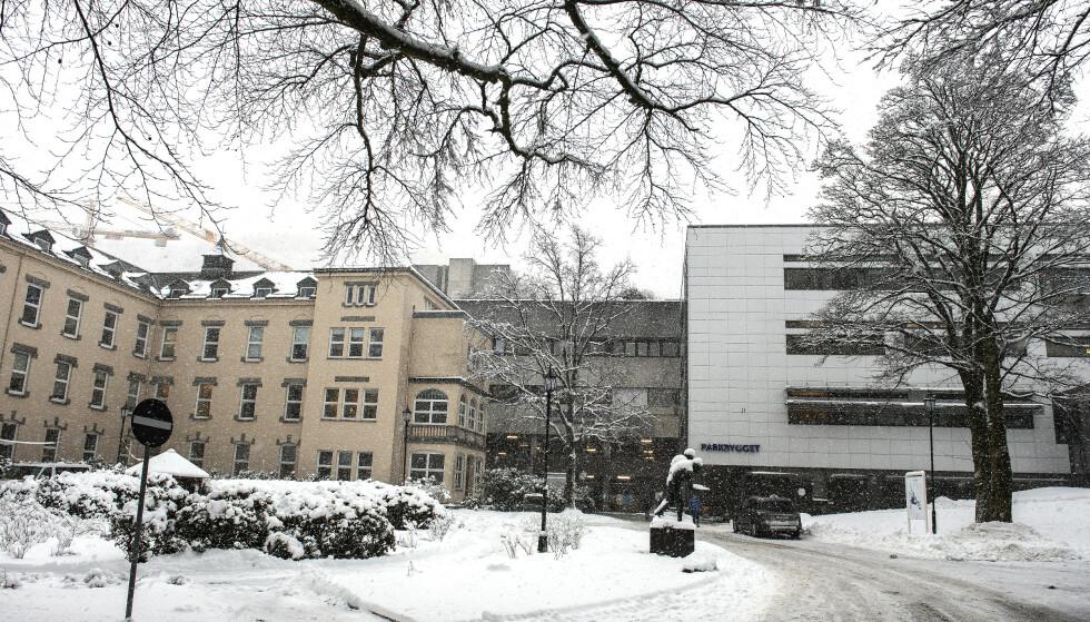 Det er oppdaget et tilfelle av den brasilianske virusvarianten i Helse Bergen. På bildet er Haukeland universitetssjukehus. Arkivfoto: Marit Hommedal / NTB