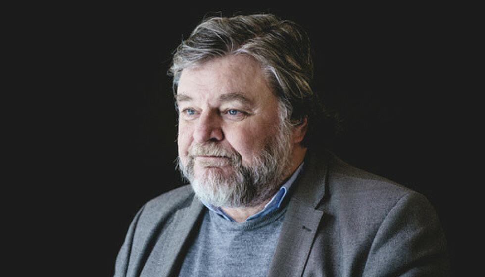 Steinar Madsen, medisinsk fagdirektør i legemiddelverket, etter pressekonferanse om bivirkninger av AstraZeneca-vaksinen lørdag. Foto: Stian Lysberg Solum / NTB