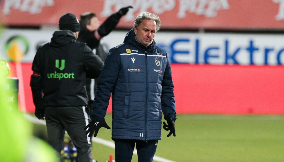 Koronasituasjonene kommer på løpende bånd for Stabæk og trener Jan Jönsson. Foto: Mats Torbergsen / NTB