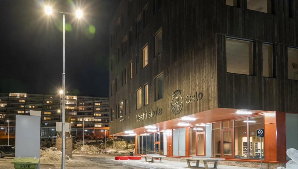 Oslo 20210304.  Det er påvist tilfeller av mutert virus på nesten samtlige trinn på Vestli skole i Oslo. Hundrevis av elever og nesten alle lærerne sendes i karantene. Foto: Heiko Junge / NTB