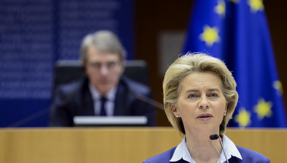 EU-kommisjonens leder Ursula von der Leyen la onsdag fram forslaget om et elektronisk vaksinesertifikat. Arkivfoto: Johanna Geron / AP / NTB
