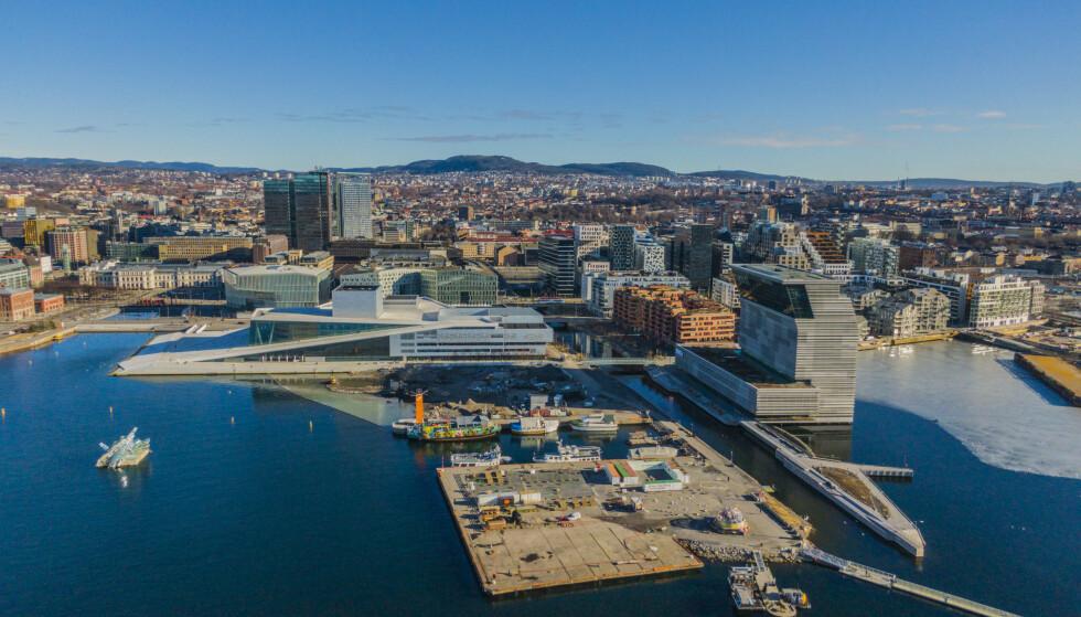 Døgntallet for antall påviste covid-19-tilfeller i Oslo er fremdeles høyt, men tallet har gått noe ned de siste dagene. Foto: Stian Lysberg Solum / NTB