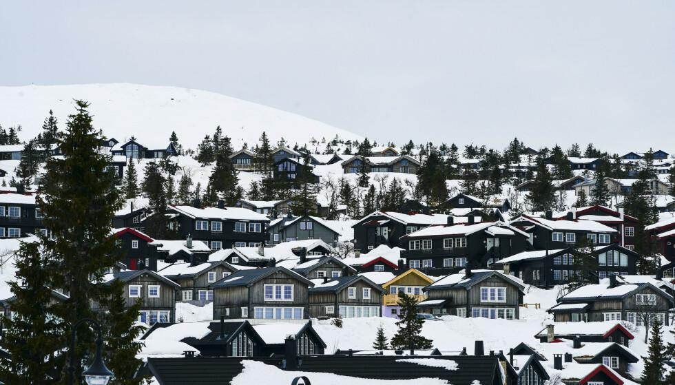 Coronasituasjonen medfører få skiturister på Trysil. Trysil er Norges største skianlegg. Her ligger både hytter, andre overnattingssteder og restauranter.Fageråsen. Foto: Lise Åserud / NTB