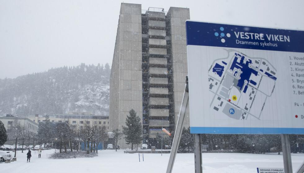 En overlege ved Drammen sykehus slår alarm om den nye virusvarianten, som han mener har endret spillereglene. Foto: Terje Bendiksby / NTB