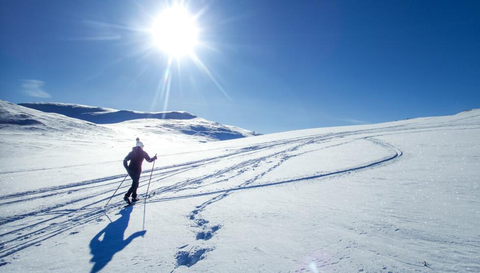 Østafjells ligger det an til mange soltimer. Det blir nokså bra fra skjærtorsdag til første påskedag, søndag. Foto: Gorm Kallestad / NTB