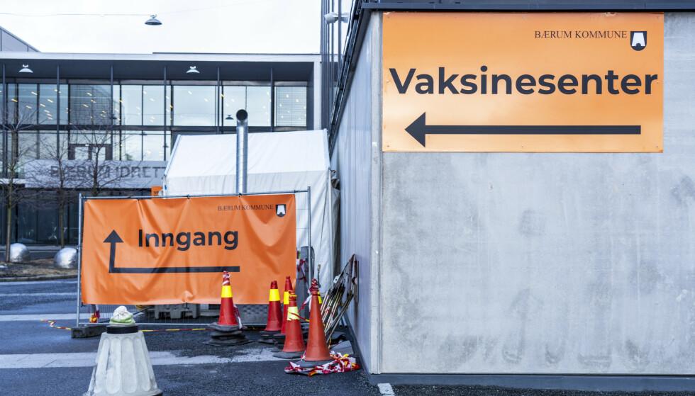 Nesten 700.000 har nå fått første dose av koronavaksinen. Nesten 300.000 er fullvaksinerte. Foto: Ole Berg-Rusten / NTB