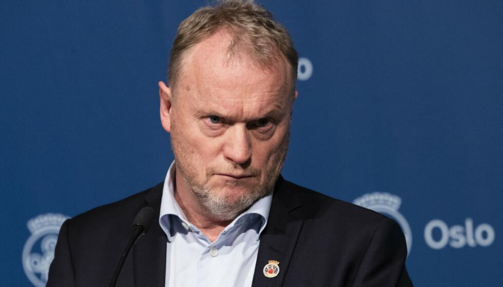 Byrådsleder i Oslo Raymond Johansen ber regjeringen lytte til Holden-utvalgets klare råd om betydelig større skjevfordeling av vaksiner. Foto: Berit Roald/NTB