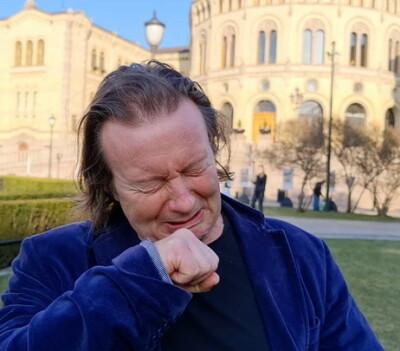 Image: Charter-Svein gråtkvalt etter demonstrasjon