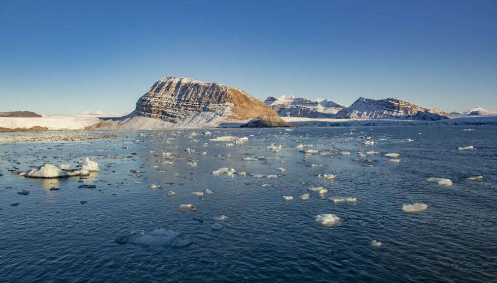 Smeltende is fra isbreer som kalver ut i Kongsfjorden ved Ny-Ålesund på Svalbard. Illustrasjonsfoto: Are Føli / NTB