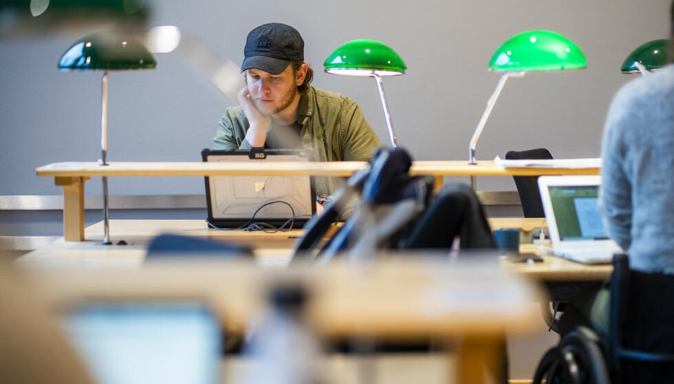 Det er i år rekordmange som har søkt høyere utdanning. Mens det er over 154.000 søkere, er det planlagt til sammen 61.673 studieplasser i Norge til høsten. Foto: Håkon Mosvold Larsen / NTB