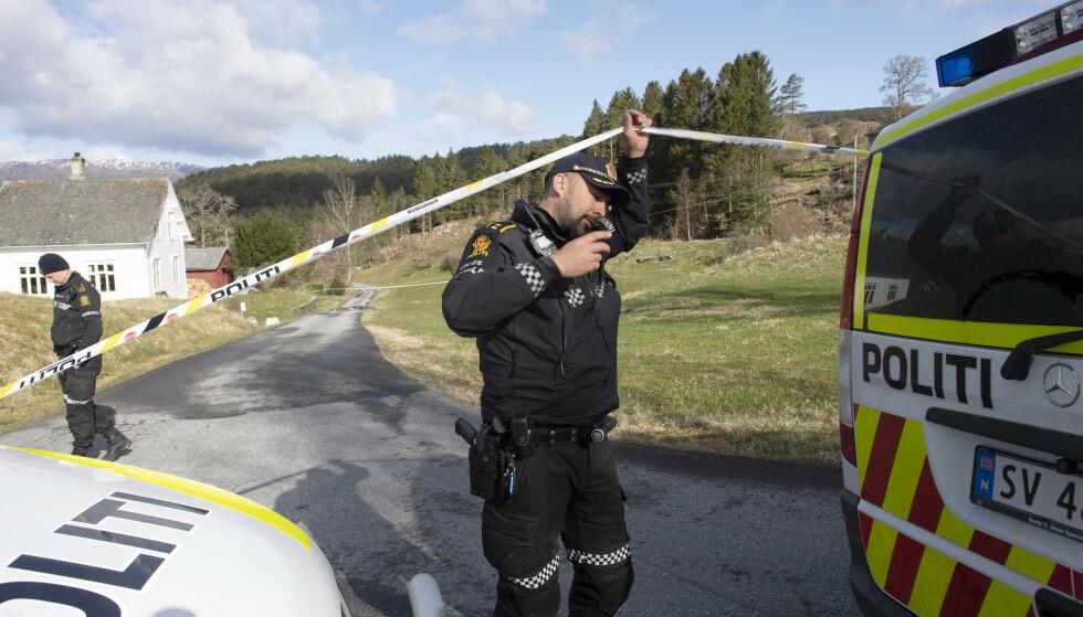 Kvinnherad 20210423.  En kvinne er funnet død på Varaldsøy og politiet tror hun er drept av en mann er siktet i saken. Foto: Marit Hommedal / NTB