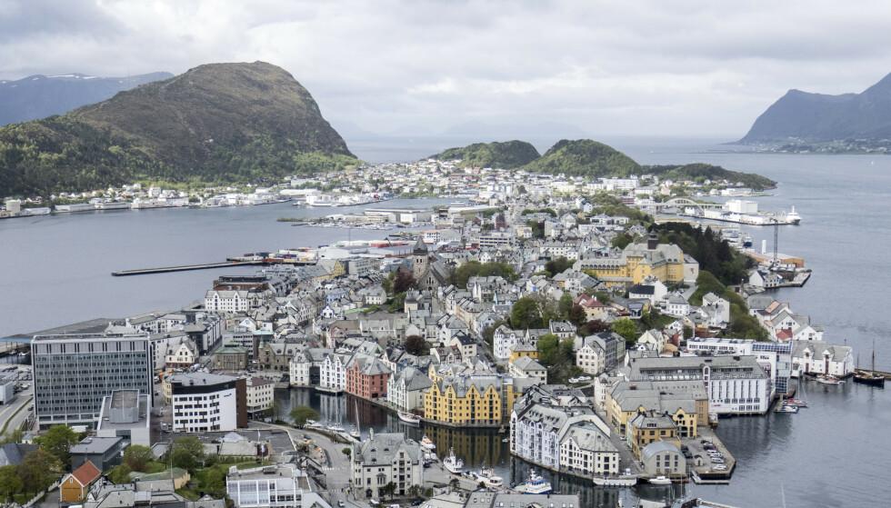 Ålesund opplever for tiden det ordføreren i kommunen kaller en tredje smittebølge. Foto: Paul Kleiven / NTB