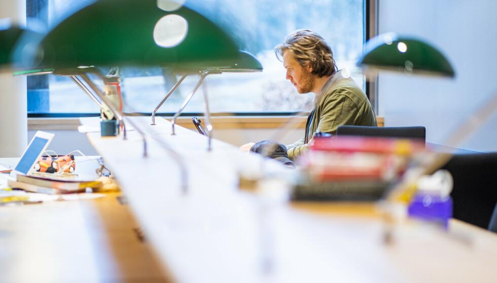 Studentlivet har ikke vært helt det samme det siste året. Mange studenter oppgir at de er ensomme og svært mange finner digital undervisning demotiverende. Foto: Håkon Mosvold Larsen / NTB