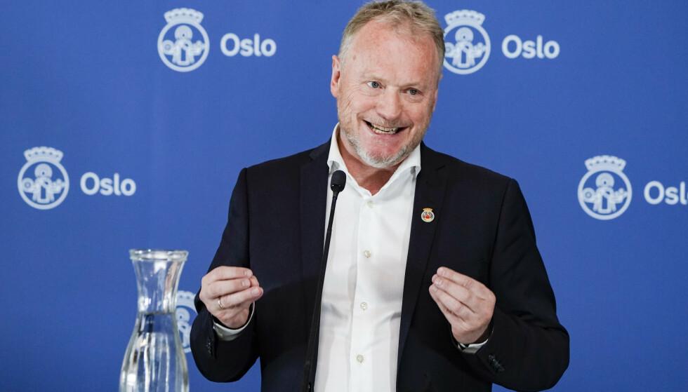 Byrådsleder Raymond Johansen (Ap) orienterte om koronasituasjonen på det han kalte en ny merkedag for Oslo. Foto: Håkon Mosvold Larsen / NTB