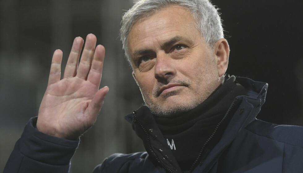 José Mourinho brukte ikke lang tid fra han fikk sparken i Tottenham til han fikk ny jobb innenfor fotballen. Foto: Neil Hall / AP / NTB