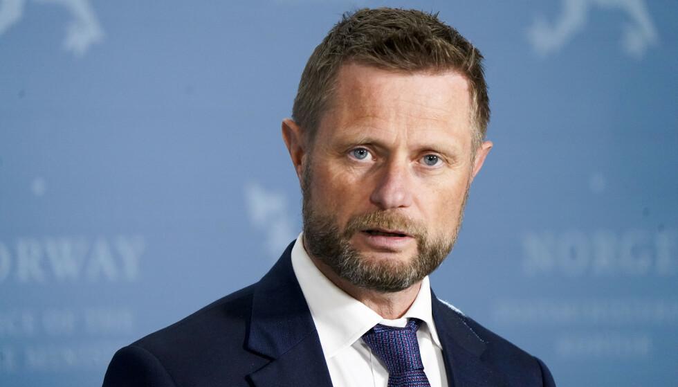 Helse-og omsorgs minister Bent Høie fra torsdagens pressekonferanse. Foto: Lise Åserud / NTB